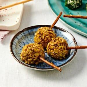 sucettes de fromage frais au curry et au curcuma
